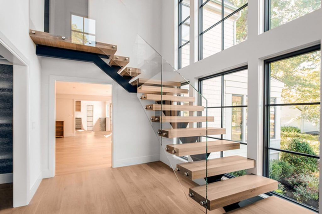 Staircase Wall Space: Use Your Imagination