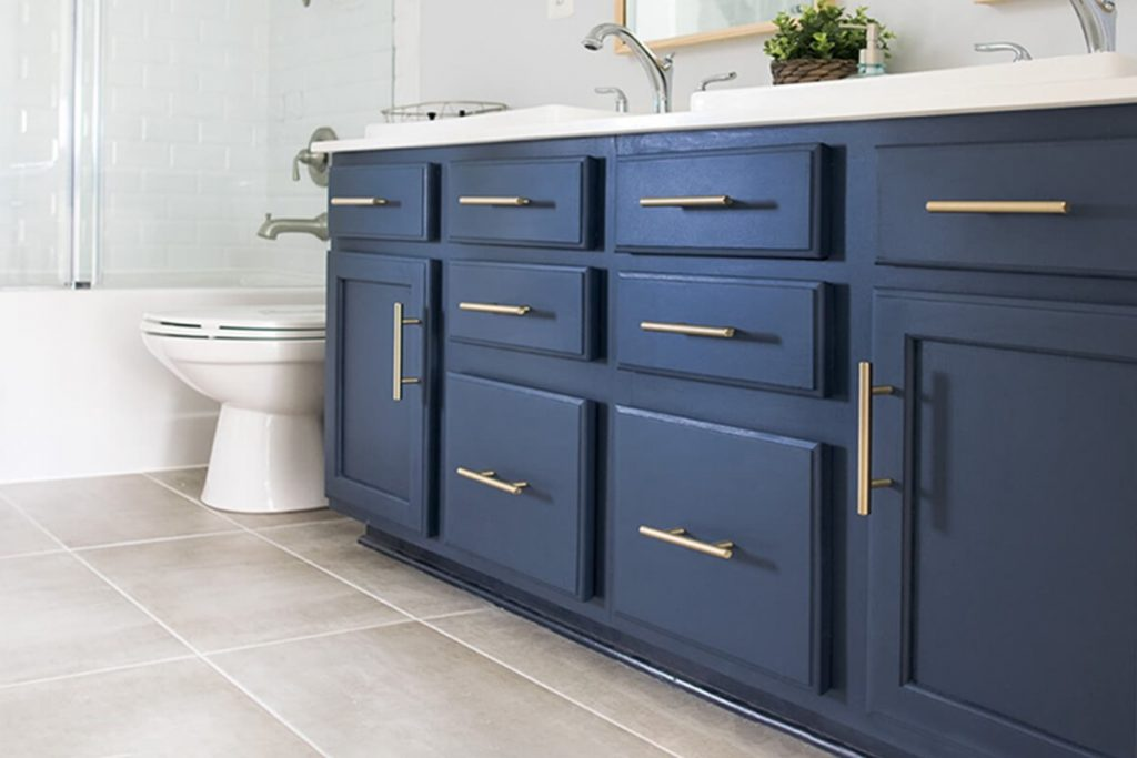 Tips For Painting The Vanity White