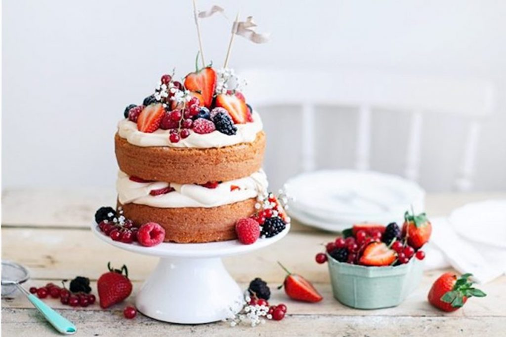 What Is A Naked Cake And How Do You Make It?